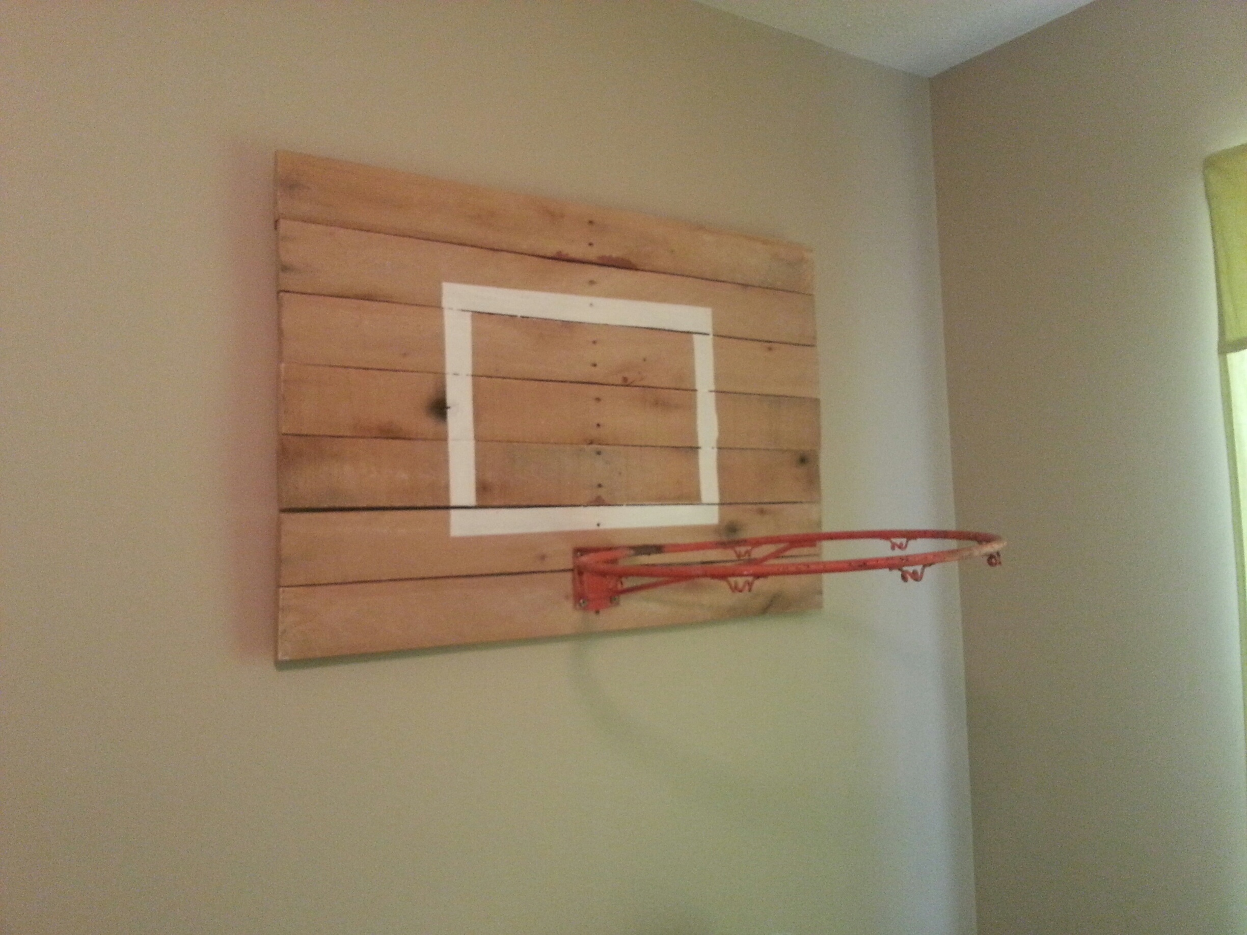 Vintage modern sports bedroom simple2something for Homemade basketball court